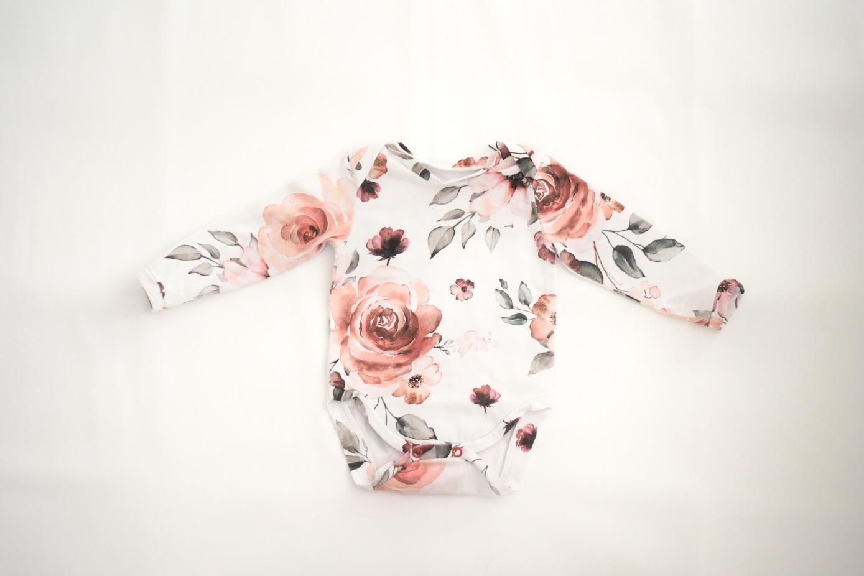 Langarmbody mit floralem Muster Blüten Stoff