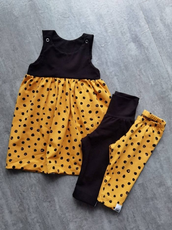 Latzkleid in gelb schwarz SToff